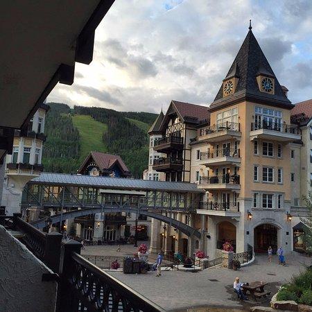 ليفت هاوس لودج: View from our 2nd floor room, facing west.