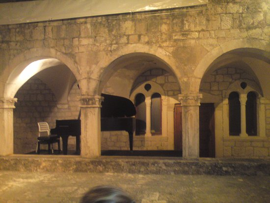 Franciscan Monastery: Stage.