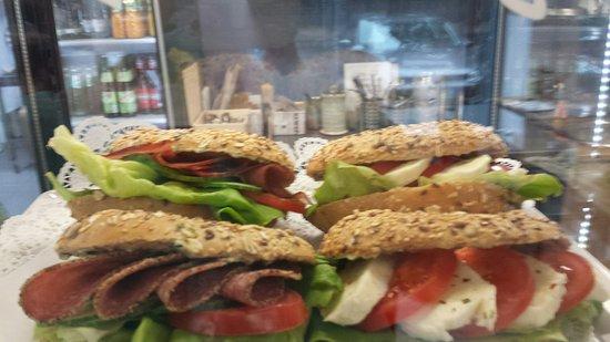 Julich, เยอรมนี: Frühstück und kleine snacks