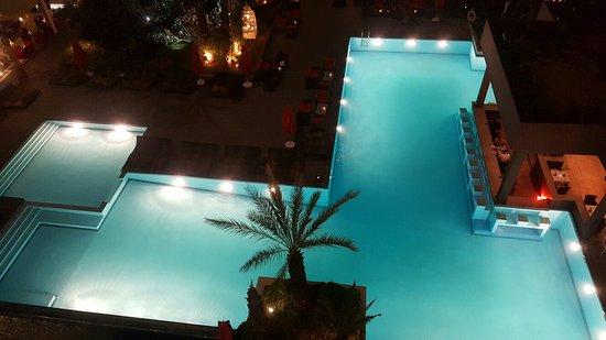 Opera Plaza Hotel : 20160729_221307_large.jpg