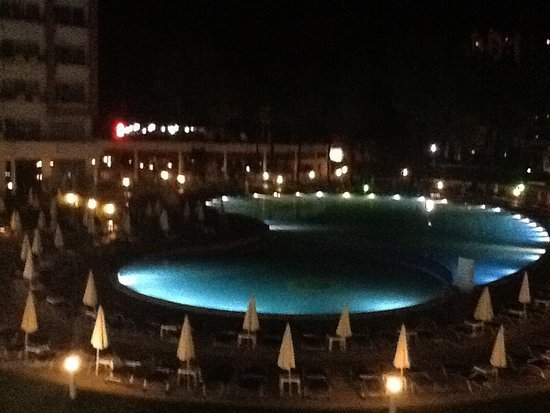 Hotel Riu Helios : View of pool from our room 2104