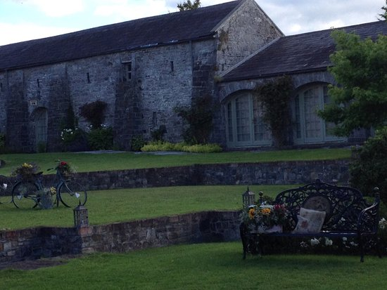 Navan, Ierland: Such a lovely wedding venue.  Perfect Wedding venue