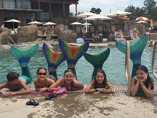 ‪‪Powell Butte‬, ‪Oregon‬: Our daughter and her friends absolutely love this pool with the water slide and lazy river.‬