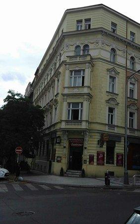 Zizkov vinoteka prague czech republic updated 2018 top for Bar food zizkov