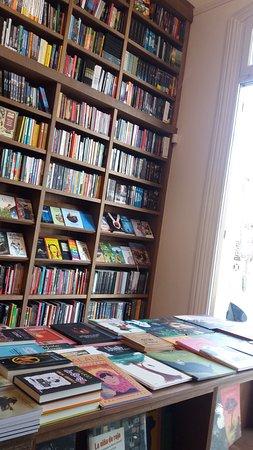 Escaramuza Libros