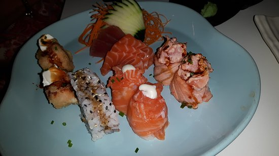 Paco de Arcos, Portugal: Sashimi e Gunkans