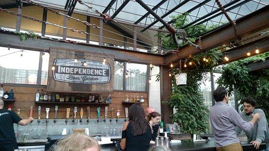 Kein leckerbissen aber ok picture of independence beer Independence beer garden philadelphia pa