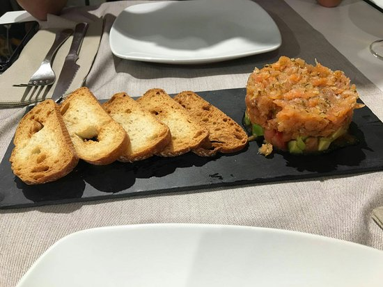 Restaurant EL Tapeo, Vins I Tapes