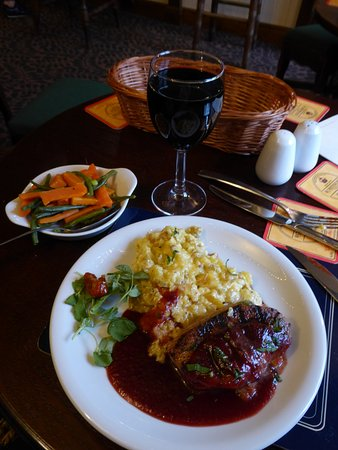 Orleton, UK: Duck breast with cheesy mashed potatoes