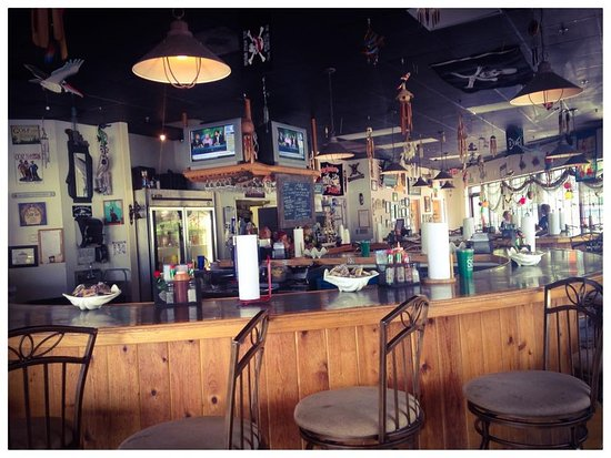 """Kernersville, NC: SMITTY'S fabulous """"s-shaped"""" counter seating!"""