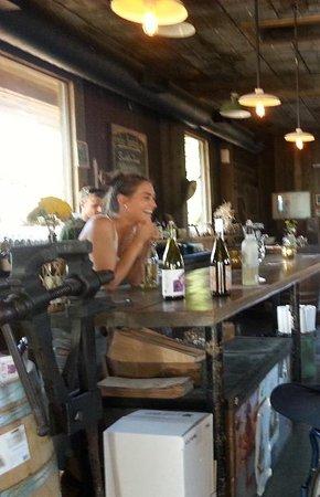 West Kelowna, Kanada: Tasting area with hostess