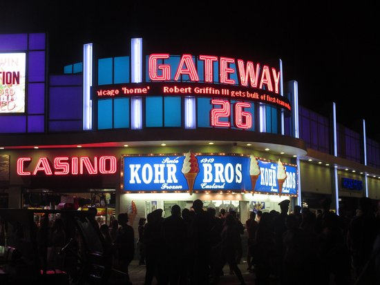 Gateway 26 Casino : Arcade at night
