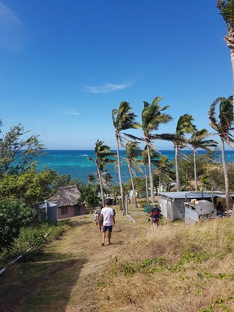 Nanuya Island Resort: Walking down to Lo's teahouse