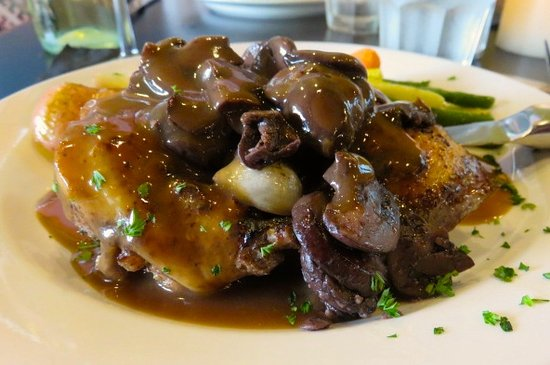 Green Valley, AZ: Cog au Vin, delicious!