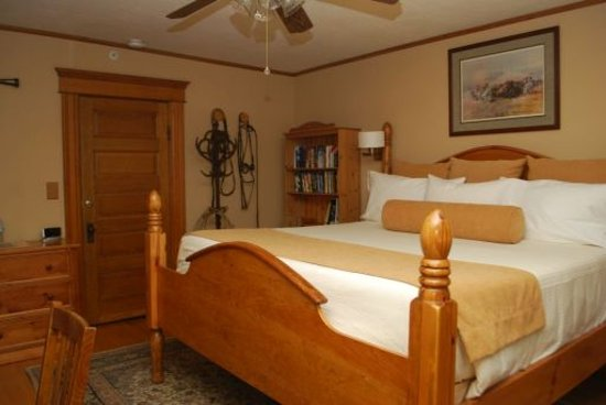 Residence Hill Bed & Breakfast: Powder River Room