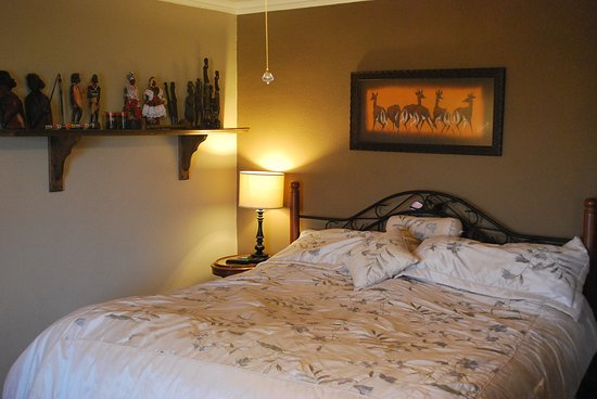 Residence Hill Bed & Breakfast: African Room