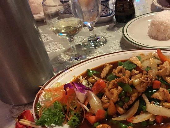 Margate, FL: Chicken and cashews