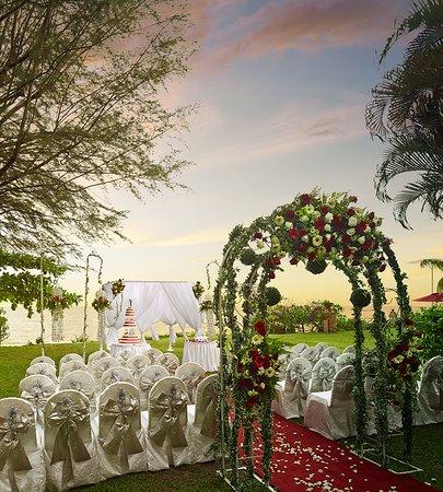 PARKROYAL Penang Resort, Malaysia: Celebrate your memorable big day at our beautiful garden