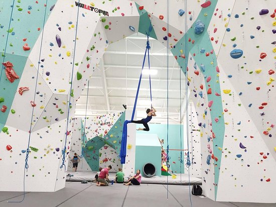 ‪Zenith Climbing Center‬