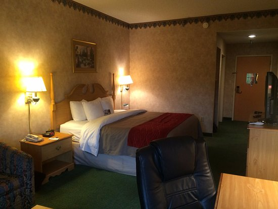 comforter from inn central newport hotels z deals oregon reviews information hotel room prices or exterior comfort coast featured image