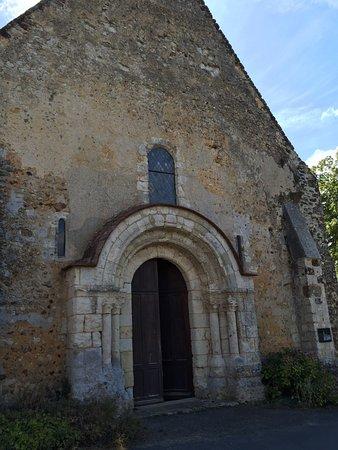L église de Moutiers au perche est au sommet du village et permet d'avoir une vue panoramique de