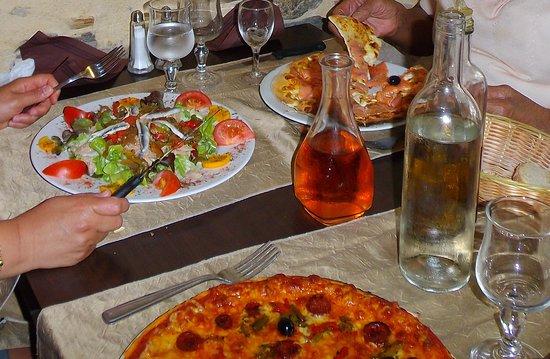La Toscane : salade et pizzas