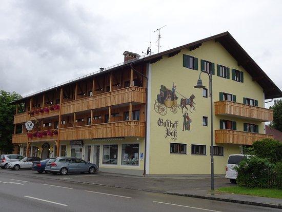 Landgasthof Zur Post: Front quarter view.