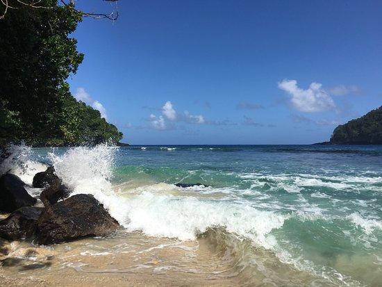 Futiga, Samoa americana: At the end of the trail leading to a small beach