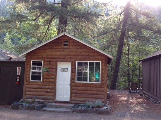 Merlin, OR: Cabin #3