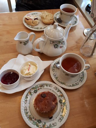 Madeleine's: Tea for two
