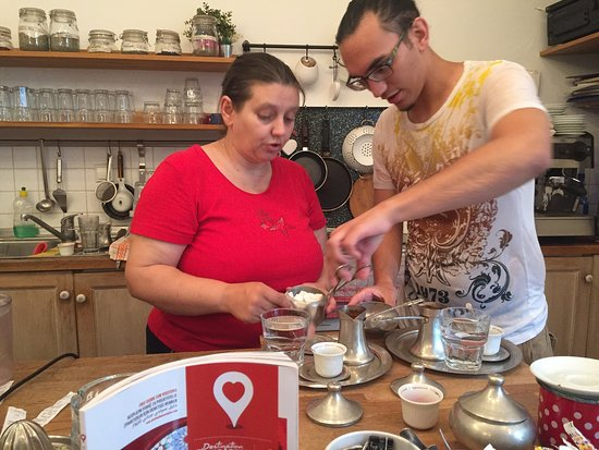 Rahatlook: Learning how to make Bosnian coffee