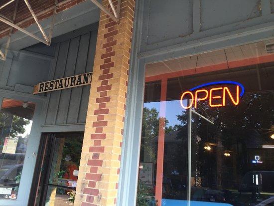 Van Buren, MO: Open