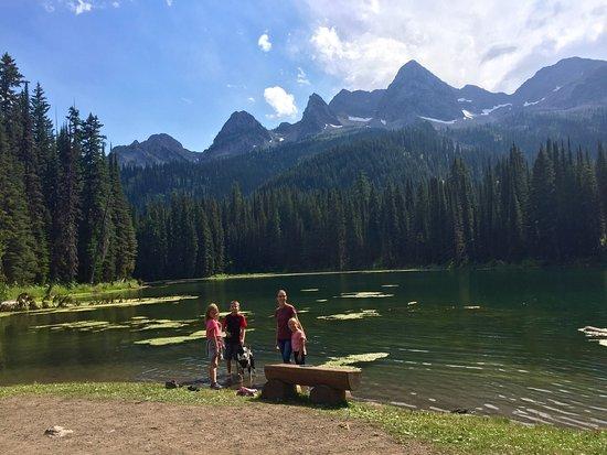 Island Lake Lodge: photo1.jpg