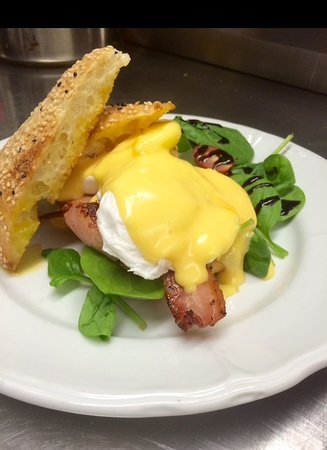 Goondiwindi, Australie : Saturday Morning Special- Egg's Benedict!!