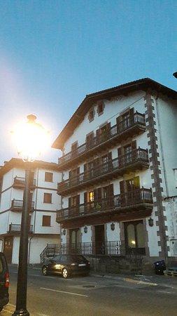 Doneztebe, İspanya: 20160802_215434_large.jpg