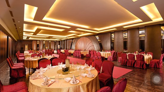 Private function room mezzanine foto de istana koki medan istana koki private function room mezzanine junglespirit Gallery
