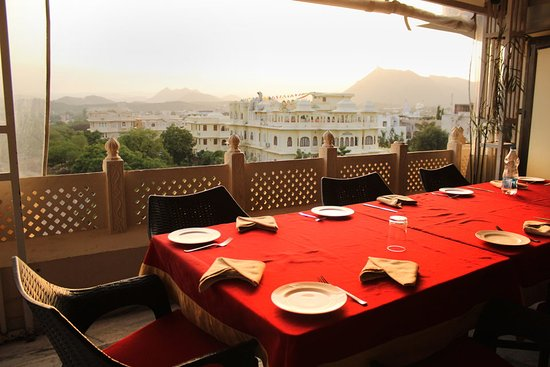 Oyo rooms mallatalai udaipur india specialty hotel for Specialty hotels