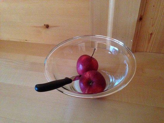 """Hotel Antines: l'incredibile """" cesto di frutta in camera di benvenuto"""" ..."""