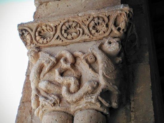 Iglesia de San Miguel Arcangel: Serpiente