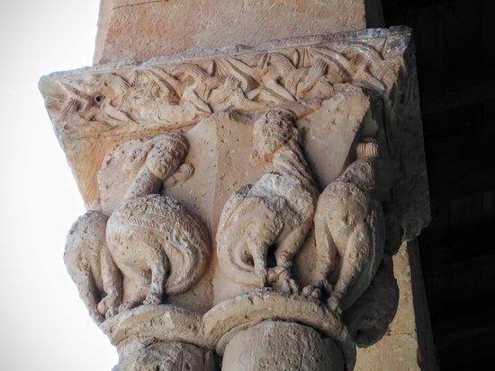 Iglesia de San Miguel Arcangel: Arpías