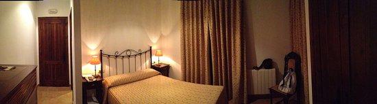 Aldan, สเปน: Panorámica de la habitación dorada