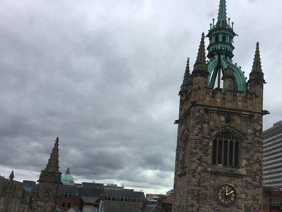 Jurys Inn Belfast : Spires Clock tower