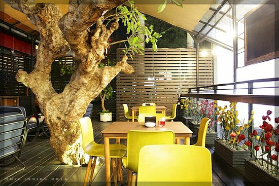 Anang Family Karaoke, 5 Lounge and Terrace, Malang ...