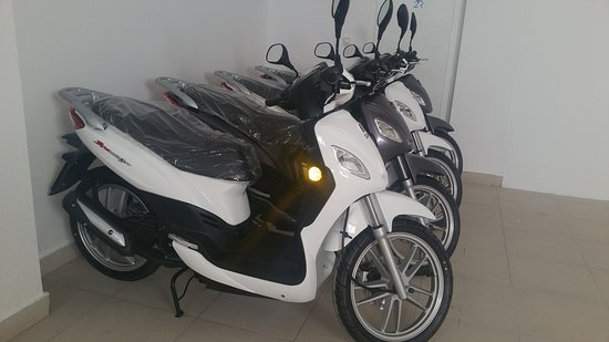 Pilar de la Horadada, Spain: SCOOTER RENTALS