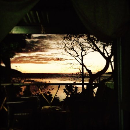 Nanuya Island Resort: Sunset from our room