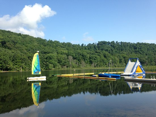 Club Getaway: Beautiful Setting for all water sports , yoga and Mindfulness.