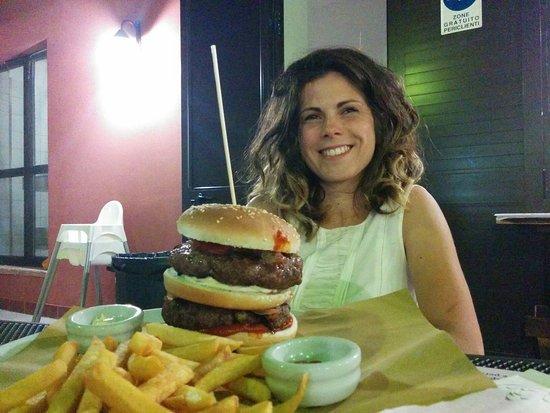 Marsciano, إيطاليا: Hamburger di chianina da 220gr....DOPPIO!!