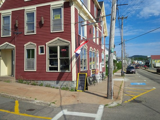Mag Pyes Bakery Shoppe and Cafe
