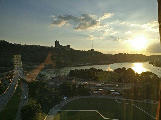 Wyndham Grand Pittsburgh Downtown: IMG_20160802_195252_large.jpg