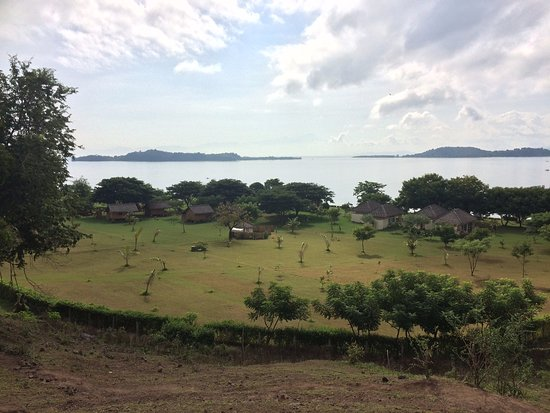 Pearl Beach Resort: View to the resort from the hill behind it